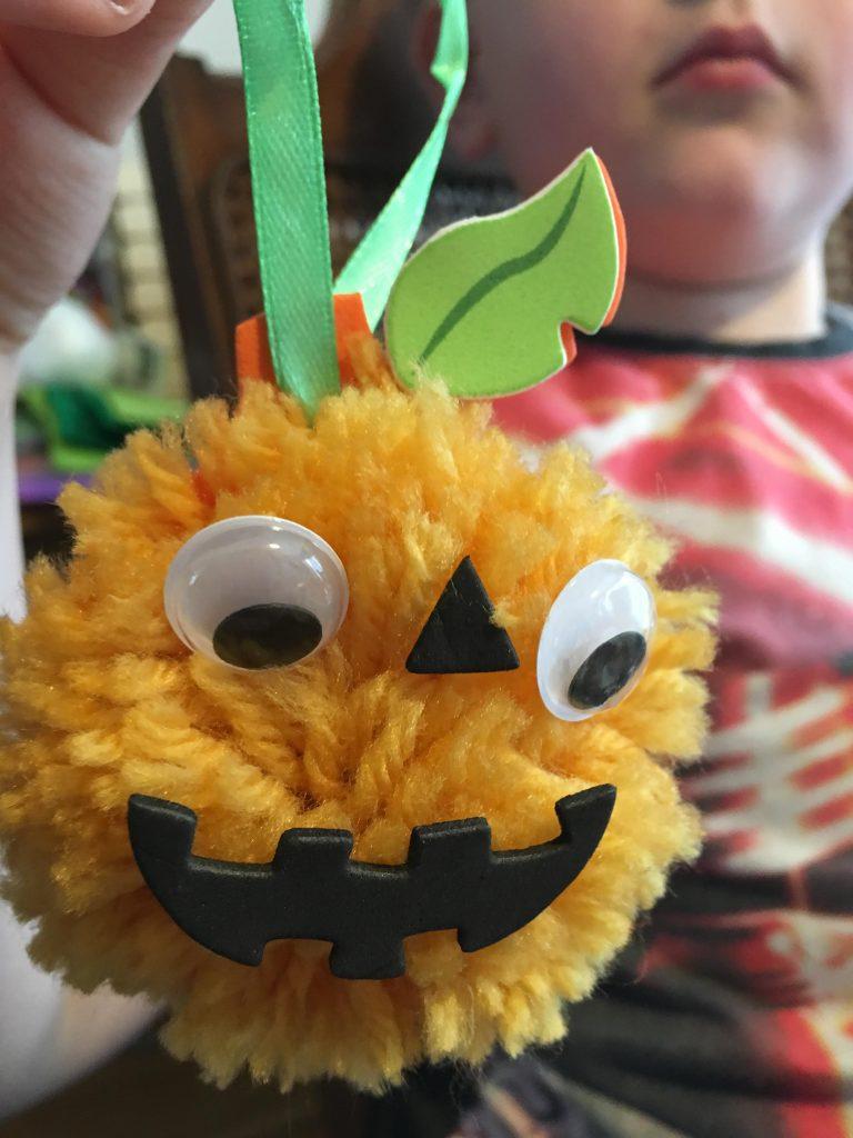 Halloween Pom Pom pumpkin