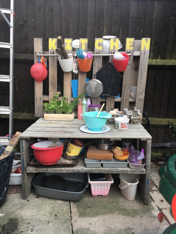 mud kitchen play at home