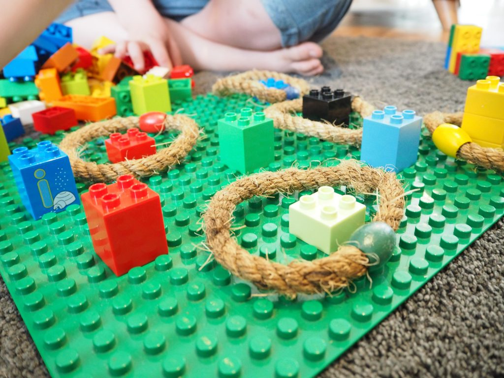 42 LEGO Crafts and Activities for Kids for Endless Fun featured by top US lifestyle blogger, Marcie in Mommyland: Lego Ring Toss game