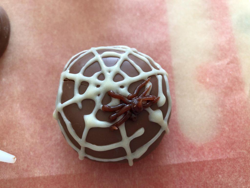 Halloween teacake spider treats