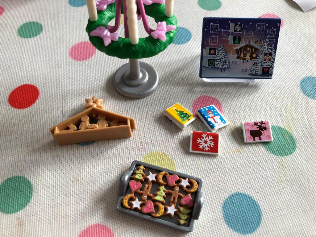 dollshouse Christmas miniatures