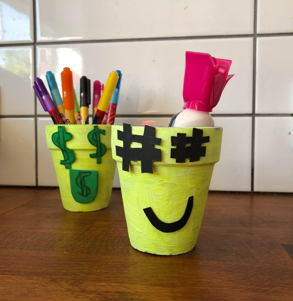 DIY Emoji Pen Pots craft
