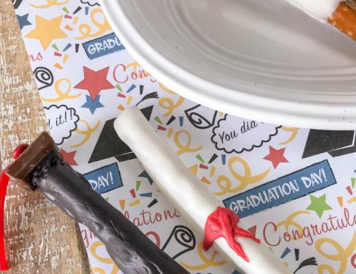 How to decorate simple Graduation Pretzel Rods