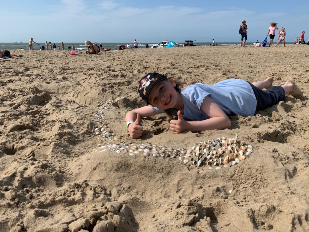 girl on Wassenaar beach