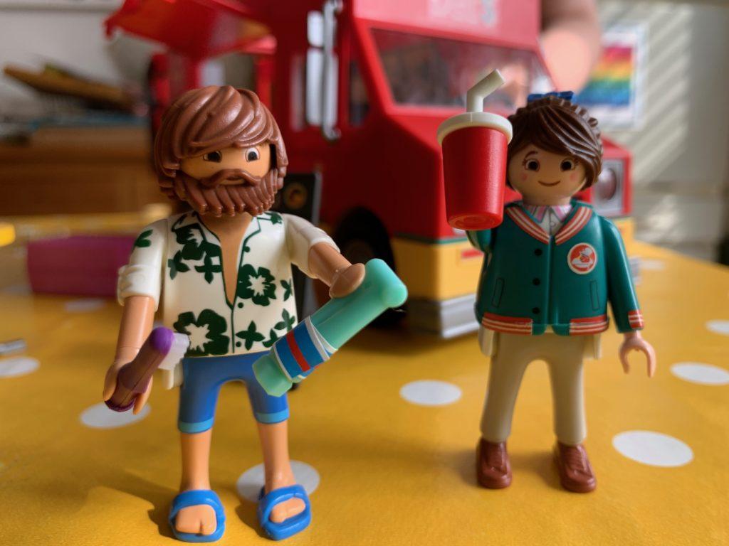 Marla and Del Playmobil figures