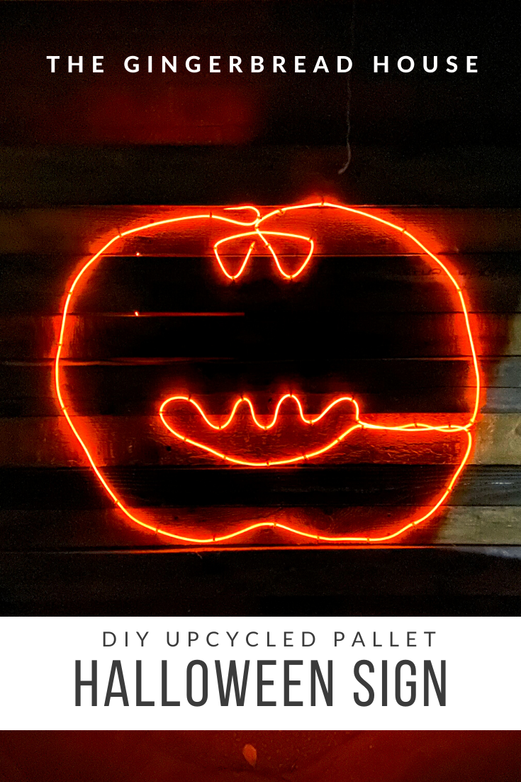 DIY upcycled pallet Halloween sign