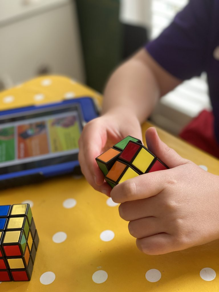 using an app to help solve rubik's cube