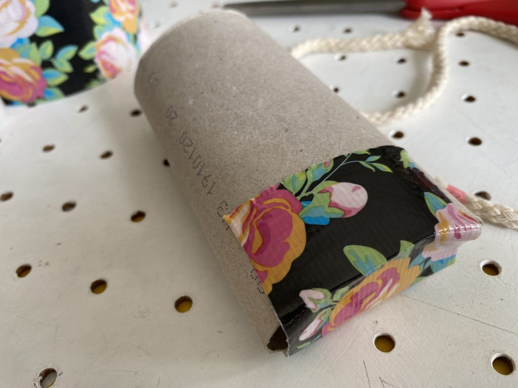how to make Duck Tape hand sanitiser holder