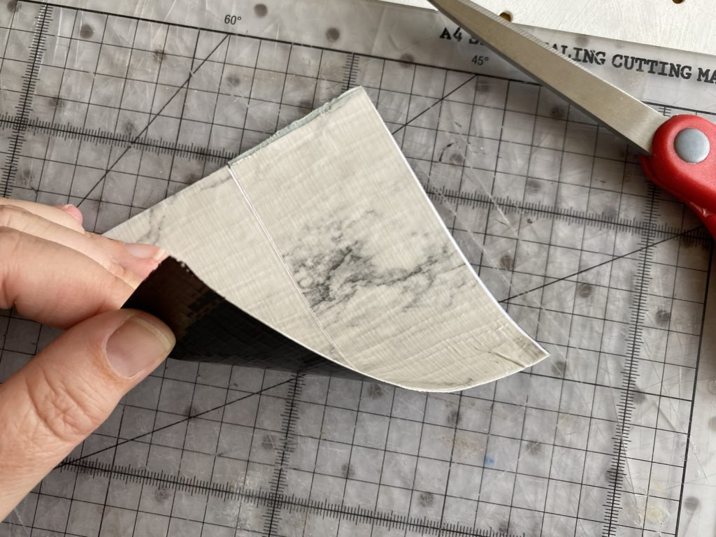 how to make a Duck Tape bowl