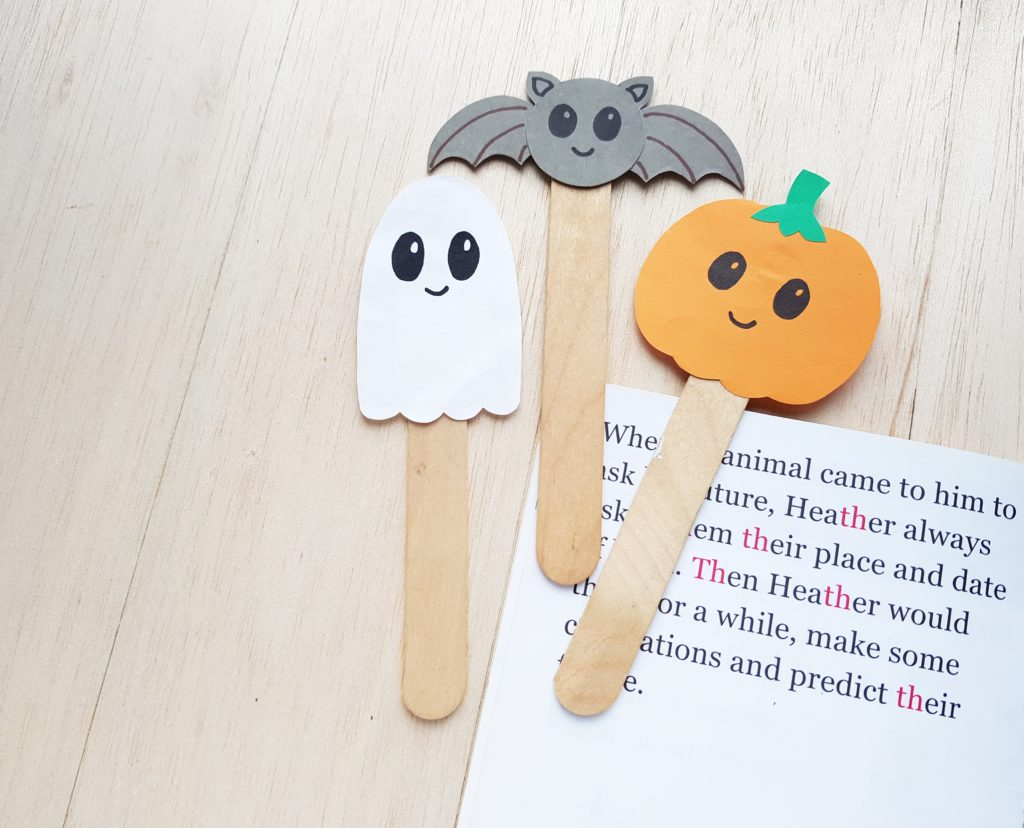easy Halloween bookmarks for kids