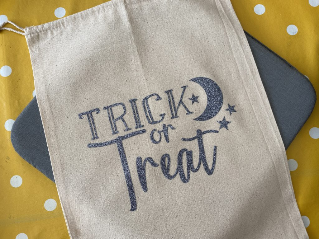 easy Halloween Cricut craft