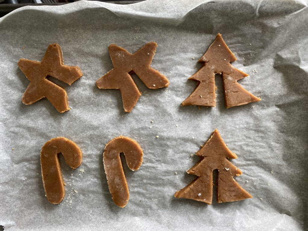 tray of gingerbread biscuits
