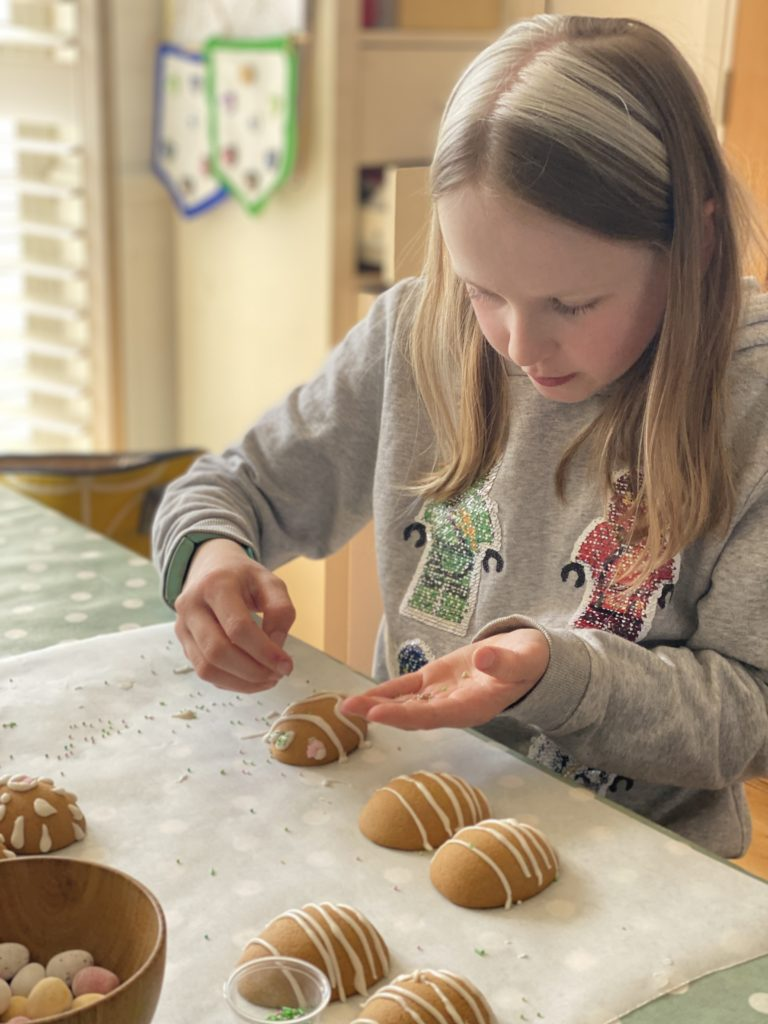 decorating gingerbread eggs