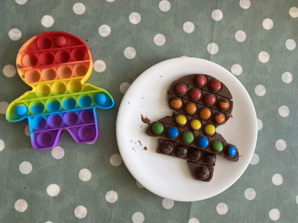 use your Pop Its toys to make chocolate bars